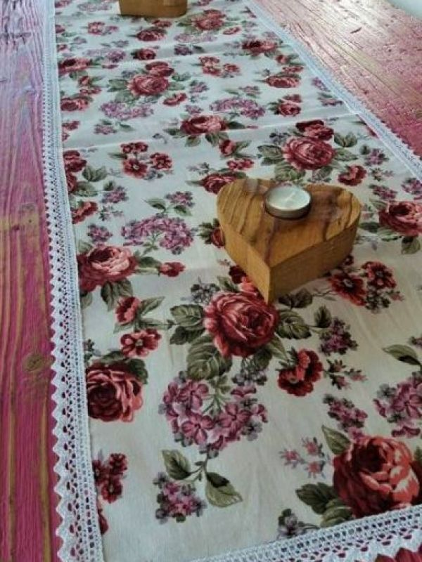 Table made floral