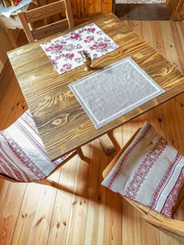 Table made-uri rustice