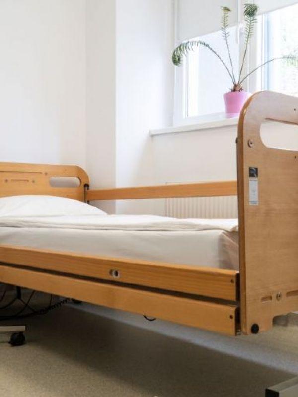 Lenjerie pat clinică