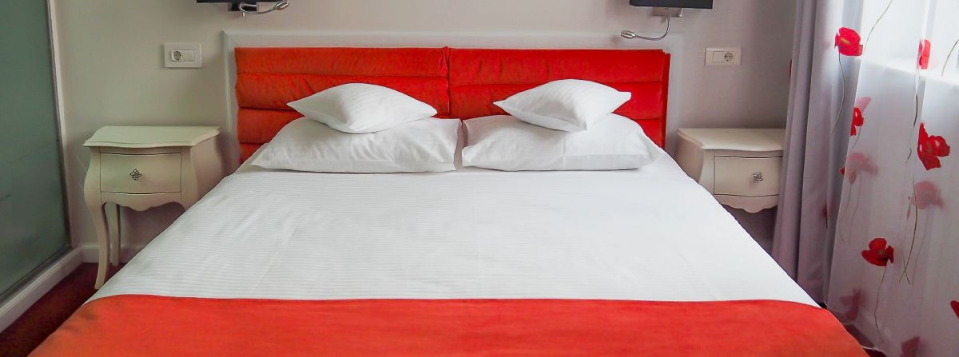 Bia Art Textil - cameră maci